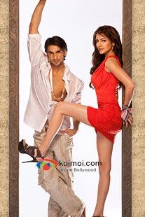 Ranveer Singh, Anushka Sharma in Ladies Vs Ricky Bahl