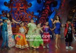 Sonam Kapoor, Saroj Khan, Malaika Arora On Sets Of Nach Le