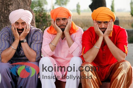 Sunny Deol , Dharmendra, Bobby Deol In Yamla Pagla Deewana