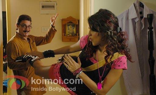 Vinay Pathak, Neha Dhupia Pappu Can't Dance Saala