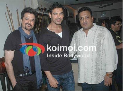 Shootout At Wadala cast Anil Kapoor & John Abraham with director Sanjay Gupta