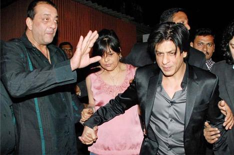 Sanjay Dutt and Shah Rukh Khan leaving the slapgate party