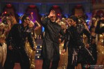 Ajay Devgan, Amitabh Bachchan and Abhishek Bachchan dance in Bol Bachchan Movie Stills