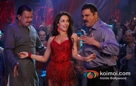 Mithun Chakraborty, Malaika Arora Khan, Boman Irani in Housefull 2