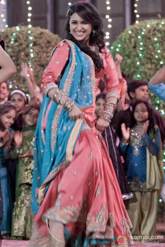 Parineeti Chopra Shakes A Leg In Ishaqzaade Movie Koimoi
