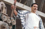 Akshay Kumar prepares for a fight in Rowdy Rathore Movie Stills