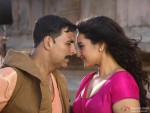 Akshay Kumar and Sonakshi Sinha in Rowdy Rathore Movie Stills