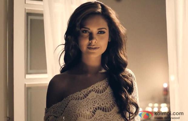 Esha Gupta Looks Sexy In Jannat 2 Movie Stills Koimoi