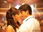 Priyanka Chopra and Shahid Kapoor in Jabse Mere Dil Ko Uff song in Teri Meri Kahaani Movie Stills