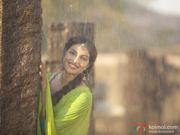 Priyanka Chopra and Prachi Desai in Teri Meri Kahaani Movie Stills