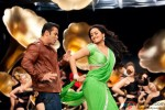 Salman Khan and Sonakshi Sinha grooving to the tunes of Po Po Song in Son Of Sardaar (Son Of Sardar) Movie Stills
