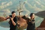 Shreyas Talpade and Madhhurima Banerjee romancing in Kamaal Dhamaal Malamaal Movie Stills