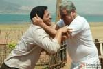 Shreyas Talpade and Om Puri fighting in Kamaal Dhamaal Malamaal Movie Stills