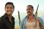 Shreyas Talpade and his bodyguard Nana Patekar Kamaal Dhamaal Malamaal Movie Stills