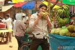 Shreyas Talpade breaking down on fruits Kamaal Dhamaal Malamaal Movie Stills