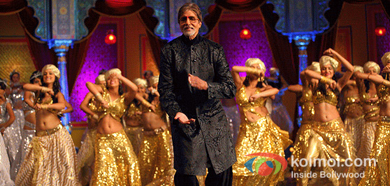 Amitabh Bachchan In Bol Bachchan Movie Song
