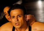 Vivek Oberoi and Mallika Sherawat in an action sequence in Kismet (Kismat) Love Paisa Dilli Movie Stills