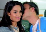 Vivek Oberoi and Mallika Sherawat's Kiss in Kismet (Kismat) Love Paisa Dilli Movie Stills