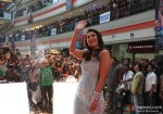 Gorgeous Kareena Kapoor waving in Heroine Movie Stills