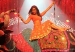 Kareena Kapoor Hot making an entrance for Halkat Jawani Song in Heroine Movie Stills