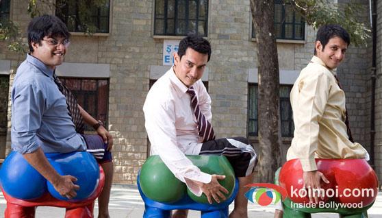 R. Madhavan, Aamir Khan, Sharman Joshi in 3 Idiots