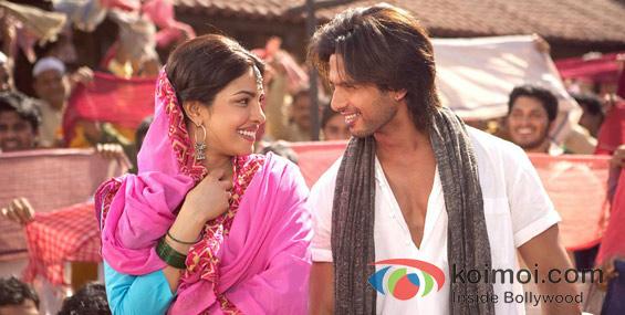 Priyanka Chopra and Shahid Kapoor In Teri Meri Kahaani Movie Stills