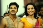 Shreyas Talpade and Sonakshi Sinha in Joker Movie Stills