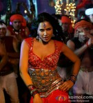 A super hot Sameera Reddy grooving to an item number in Chakravyuh Movie Stills