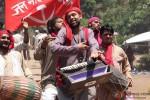 Abhay Deol looks genuinely rebelish while singing in Chakravyuh Movie Stills