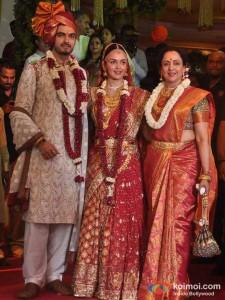 Bharat Takhtani, Hema Malini At Esha Deol's Wedding Ceremony