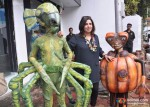 Farah Khan Singh Promote Joker Movie With Aliens
