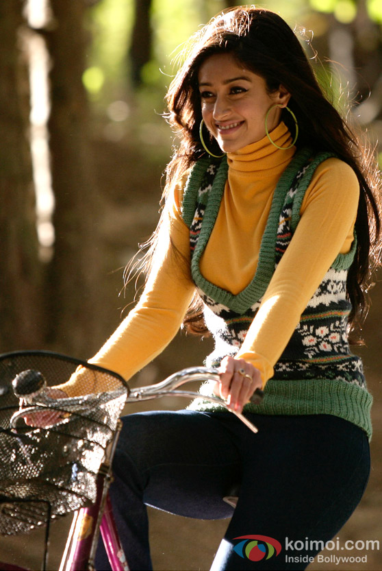Ileana D'Cruz looks cute on a bicycle in Barfi! Movie