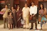 Arjun Rampal, Nidhi Subbaiah, Darshan Jariwala and Kirron Kher with the entire cast in Ajab Gazabb Love Movie Stills