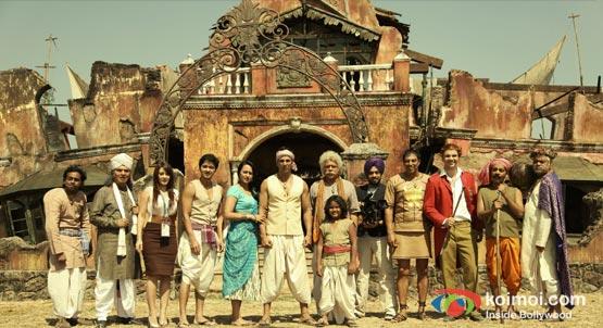 Asrani, Minissha Lamba, Shreyas Talpade, Sonakshi Sinha, Akshay Kumar In Joker Movie Stills