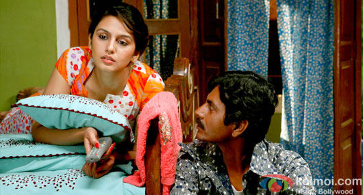 Nawazuddin Siddiqui and Huma Qureshi (Gangs Of Wasseypur 2 Movie Stills)