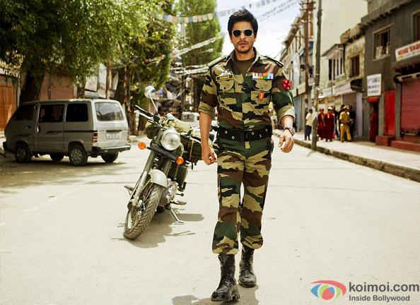 Shah Rukh Khan as a Army Officer On The Sets Of Yash Chopra's Next A Yash Chopra Romance Movie Stills in Ladakh