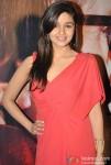 Alia Bhatt Promoting Student Of The Year Movie On KBC (Kaun Banega Crorepati) Pic 1