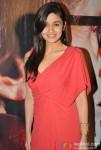 Alia Bhatt Promoting Student Of The Year Movie On KBC (Kaun Banega Crorepati) Pic 2