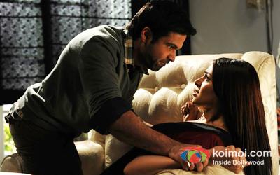 Emraan Hashmi and Bipasha Basu In Raaz 3 Movie Stills