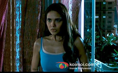 Esha Gupta (Raaz 3 Movie Stills)