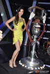 Esha Gupta Promotes Raaz 3 On The Sets Of Laugh India Laugh