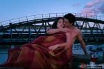 Hot Katrina Kaif and Shah Rukh Khan in a smoking hot scene from Jab Tak Hai Jaan Movie Stills