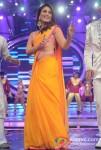 Kareena Kapoor Sizzles On The Sets Of Indian Idol Season 6 Finale