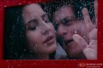 Katrina Kaif and Shah Rukh Khan's romantic moment in Jab Tak Hai Jaan Movie Stills