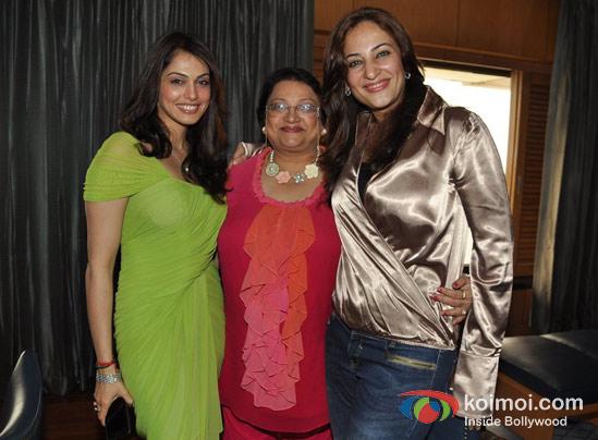 Nandini Koppikar, Rakshandha Khan At Eesha Koppikhar's Birthday Bash