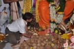 Rajpal Yadav Visits Andheri Ka Raja Ganesha Pic 3