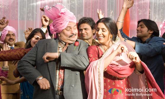Rishi Kapoor and Neetu Kapoor In Do Dooni Chaar Movie Stills