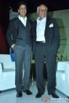 Shah Rukh Khan At Yash Chopra's Birthday Pic 5