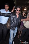 Shah Rukh Khan Snapped Sporting a beard And an Unkempt look at Mumbai International Airport