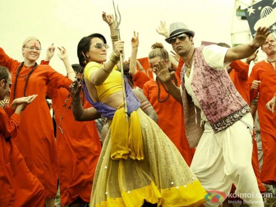 Sonakshi Sinha and Akshay Kumar In Joker Movie Stills